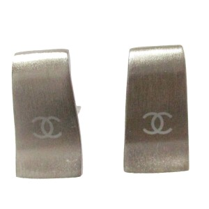 Chanel CHANEL CC Logos Earrings Clip-On Silver Plated 99A Accessory