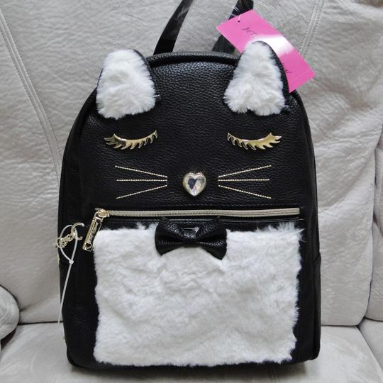 Betsey Johnson Kitsch Medium Card Case Backpack Image 10