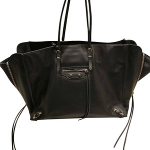 Balenciaga Brand New Tote,Tag Not Attached Dust Bag Included Tote in black