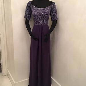 Cameron Blake Grape Chiffon 216687 Formal Bridesmaid/Mob Dress Size 10 (M)