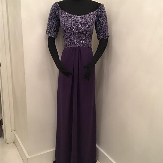 Preload https://img-static.tradesy.com/item/24263149/cameron-blake-grape-chiffon-216687-formal-bridesmaidmob-dress-size-10-m-0-0-540-540.jpg