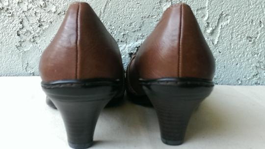 Söfft Leather BROWN Pumps Image 9