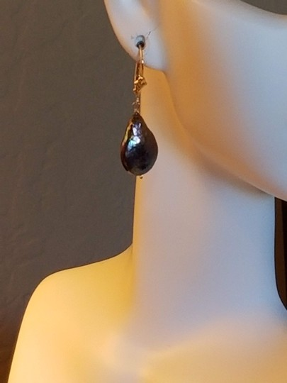 Unknown Freshwater Baroque Pearl Earrings Image 2