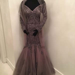 Colors Dress Gray Mesh/Beading M211 Formal Bridesmaid/Mob Dress Size 10 (M)