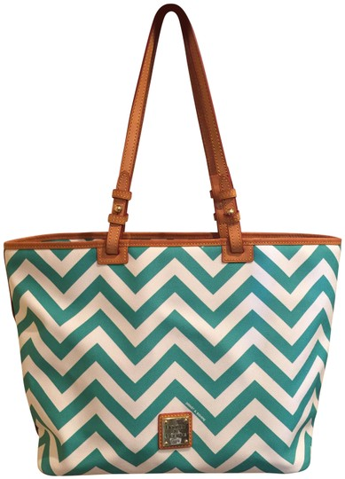 Preload https://img-static.tradesy.com/item/24264308/dooney-and-bourke-chevron-whiteteal-pebbled-leather-with-leather-trim-tote-0-3-540-540.jpg