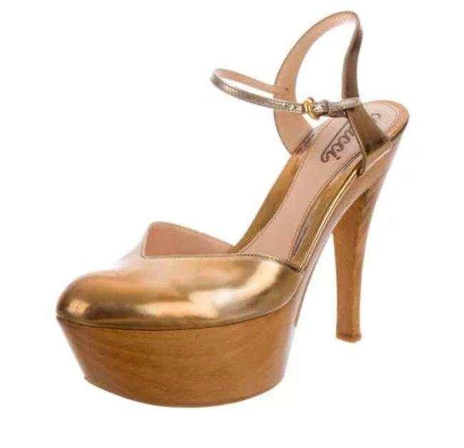 Item - Gold Metallic Platform Pumps Formal Shoes Size US 8.5 Regular (M, B)