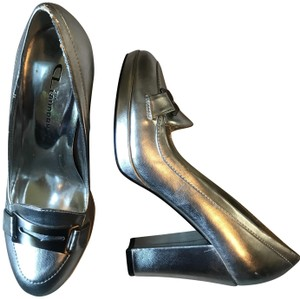 Chinese Laundry Silver Pumps