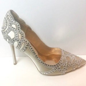 Badgley Mischka Ivory Rouge Embellished Pointed Pumps Size US 6.5 Regular (M, B)