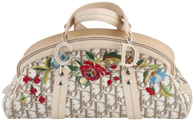 Item - Christian issimo Embroidered Flowers Frame Beige Canvas Satchel