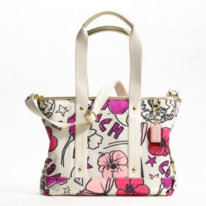 Coach New Poppy Floral Crossbody Tote in Gold/Magenta/White/Khaki/Hot Pink/Pink/Black