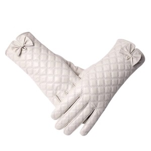 ME-Boutiques Private Label Collection The Ashley Leather Quilted Gloves C16 SIZE 7.5. With tags. cashmere lined.