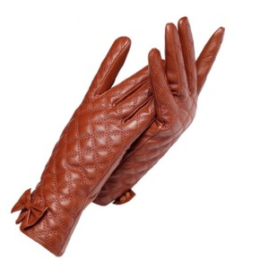 ME-Boutiques Private Label Collection The Ashley Leather Quilted Gloves C16 SIZE 6.5