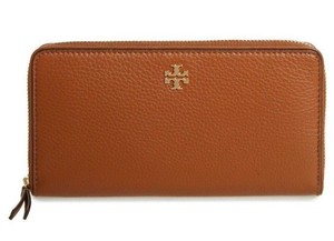 Tory Burch NEW TORY BURCH BROWN GOLD LOGO LEATHER LARGE BAG WALLET ZIP NWT