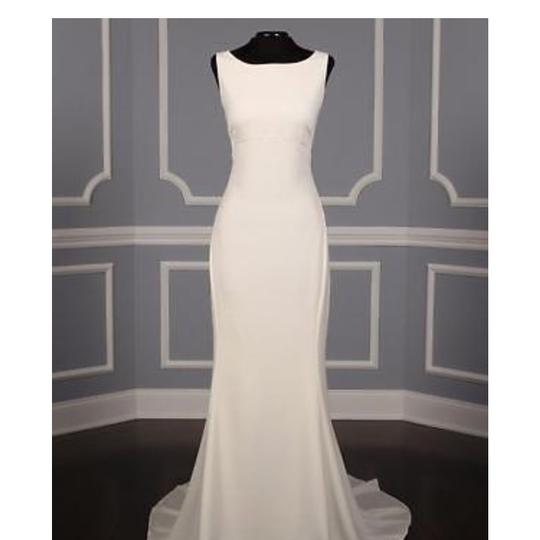 Preload https://img-static.tradesy.com/item/24267841/amsale-ivory-this-heather-a672-is-definitely-a-show-stopper-it-s-made-of-silk-crepe-and-has-a-fit-fl-0-0-540-540.jpg