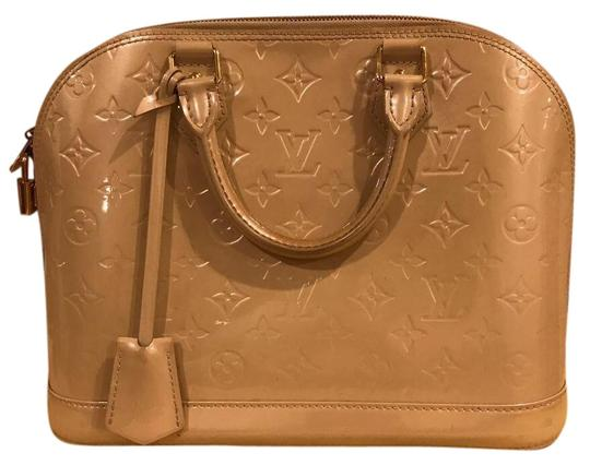 Preload https://img-static.tradesy.com/item/24267936/louis-vuitton-alma-pm-pearl-beige-patent-leather-tote-0-3-540-540.jpg