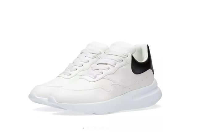 Item - White and Black Runner Leather Sneakers Size EU 37.5 (Approx. US 7.5) Regular (M, B)