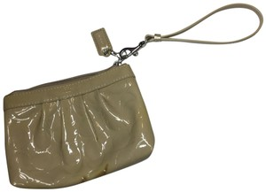 Coach Wristlet Designer Leather light tan Clutch