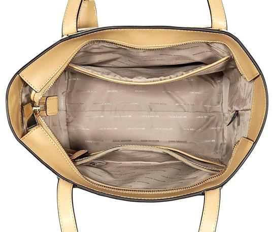 Michael Kors Tote in Natural/Butternut/Gold