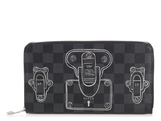 Preload https://img-static.tradesy.com/item/24271312/louis-vuitton-gray-damier-graphite-trunks-and-locks-zippy-organizer-wallet-0-0-540-540.jpg