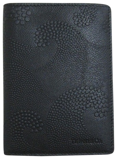 Preload https://img-static.tradesy.com/item/24271372/tiffany-and-co-black-wave-embossed-leather-passport-cover-0-4-540-540.jpg
