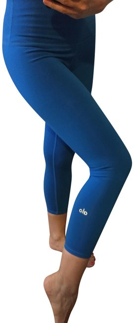 Preload https://img-static.tradesy.com/item/24271428/alo-blue-yoga-high-waist-airbrush-capri-activewear-bottoms-size-4-s-27-0-3-650-650.jpg