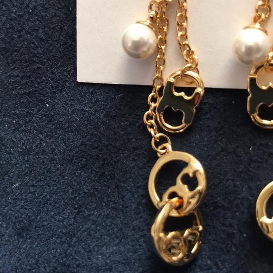 Tory Burch new logo pearl earrings