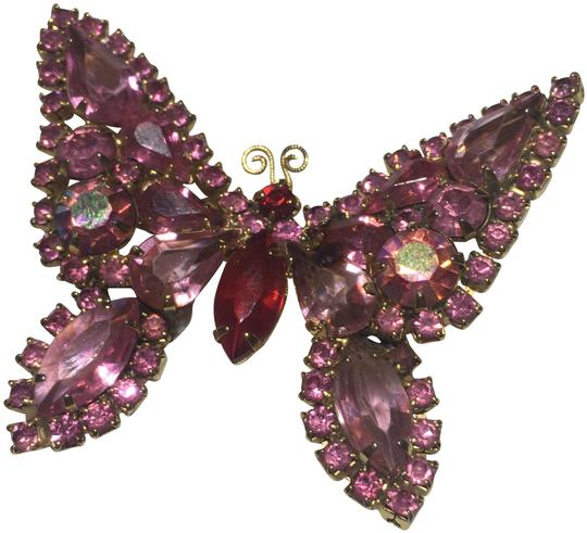 Preload https://img-static.tradesy.com/item/24271713/pink-vintage-butterfly-rhinestone-brooch-pin-0-3-540-540.jpg