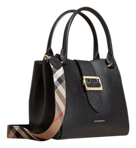 87a7421e9005 Burberry Black Bags - Up to 70% off at Tradesy