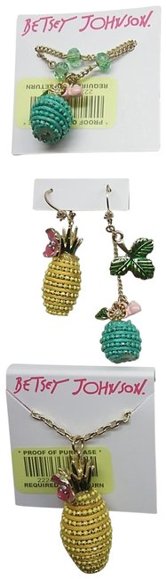 Item - Yellow New Aqua Necklaces and Earrings