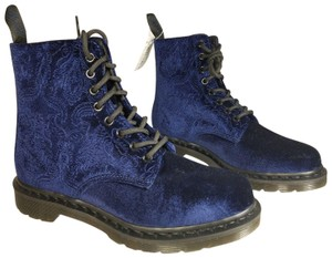 Dr. Martens navy Boots