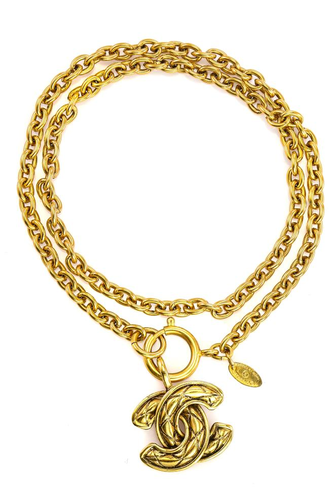 d019556a828 Chanel Vintage CC Timeless Quilted Textured Pendant On Long Oval Link Chain  N Image 6. 1234567