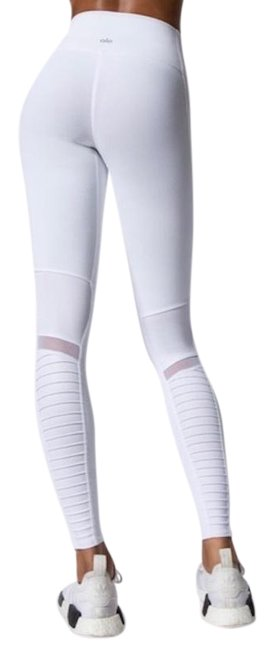 Preload https://img-static.tradesy.com/item/24276254/alo-white-high-waisted-moto-activewear-bottoms-size-4-s-27-0-3-650-650.jpg