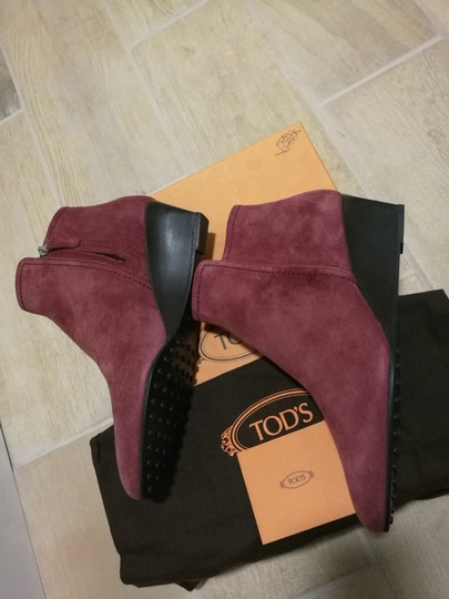 Tod's Burgundy Boots Image 9