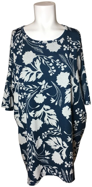 Preload https://img-static.tradesy.com/item/24276297/lularoe-multicolor-women-s-floral-and-leaf-print-small-blouse-size-4-s-0-3-650-650.jpg