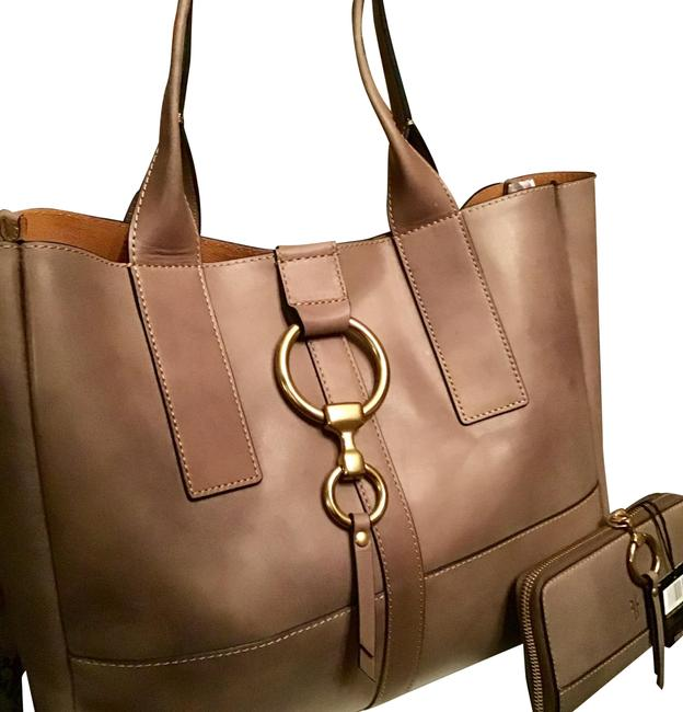 Item - **christmas Special** Ilana Harness Shopper with Matching Wallet In Grey Italian Leather Tote