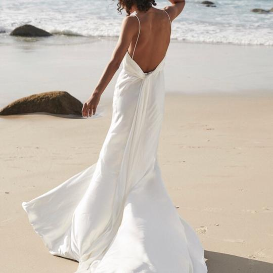 Preload https://img-static.tradesy.com/item/24277173/white-satin-lennox-modern-wedding-dress-size-6-s-0-0-540-540.jpg