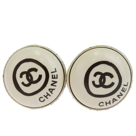 Preload https://img-static.tradesy.com/item/24277175/chanel-silver-cc-button-clip-on-plated-france-earrings-0-0-540-540.jpg