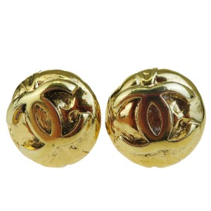 Chanel CHANEL CC Button Earrings Clip-On Gold-Tone France Accessory