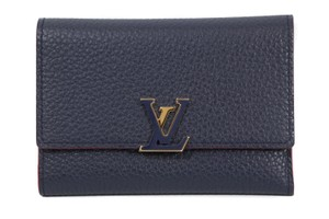 Louis Vuitton New LOUIS VUITTON Capucines Small Leather Wallet