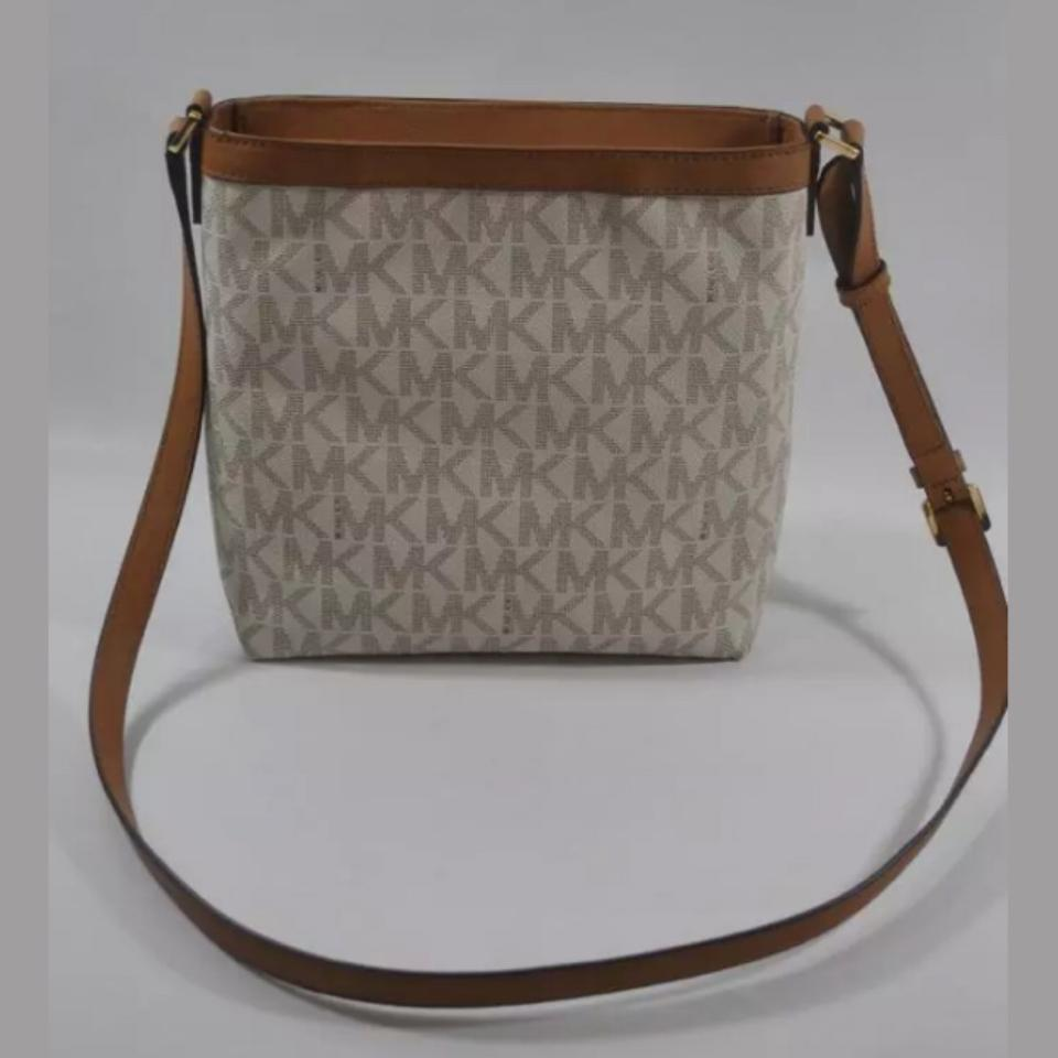 1281e756ee6d Michael Kors Morgan Medium Top Zip Crossbody Vanilla Pvc Weekend ...