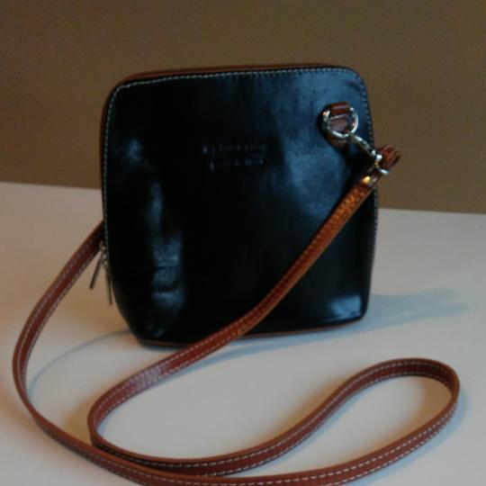FLORENCE Dual Zipper Leather Made In Italy Cross Body Bag Image 1