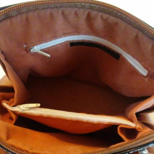 FLORENCE Dual Zipper Leather Made In Italy Cross Body Bag Image 10