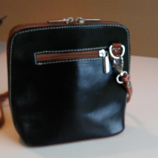 FLORENCE Dual Zipper Leather Made In Italy Cross Body Bag Image 2