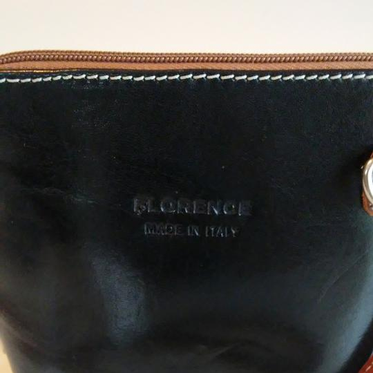 FLORENCE Dual Zipper Leather Made In Italy Cross Body Bag Image 7