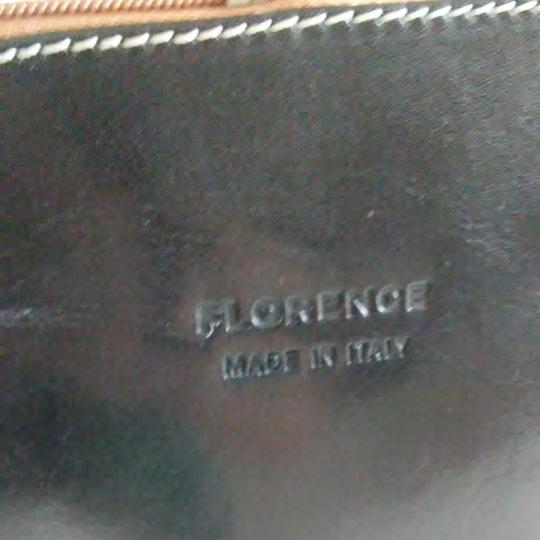 FLORENCE Dual Zipper Leather Made In Italy Cross Body Bag Image 8