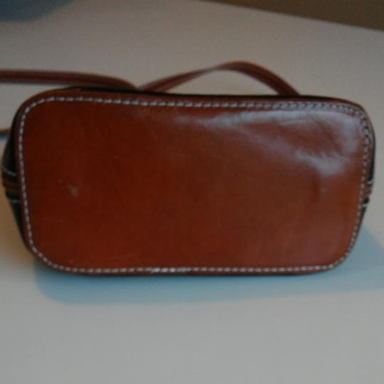 FLORENCE Dual Zipper Leather Made In Italy Cross Body Bag Image 9