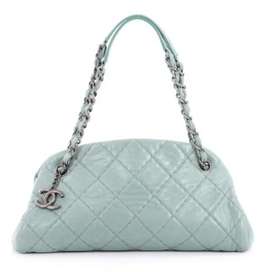 c0621ad7e509 Green Chanel Shoulder Bags - Up to 90% off at Tradesy