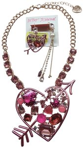 Betsey Johnson Betsey Johnson New Hot Pink Necklace & Earrings