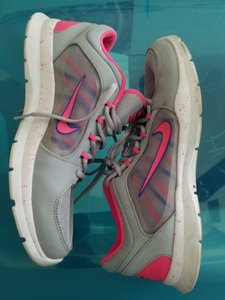 Nike Trainers Running Work Out Pink & Gray Athletic