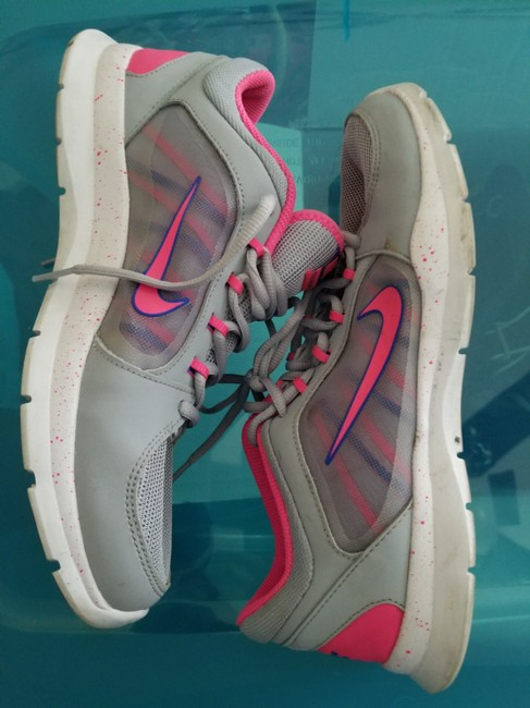 Item - Pink & Gray Trainers Sneakers Size US 9.5 Regular (M, B)